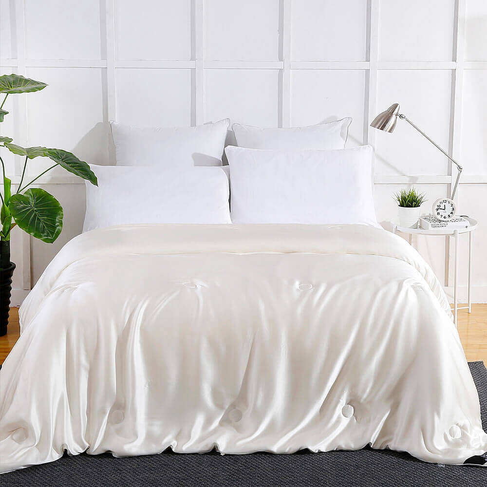 Summer Silk Covered Silk Comforter