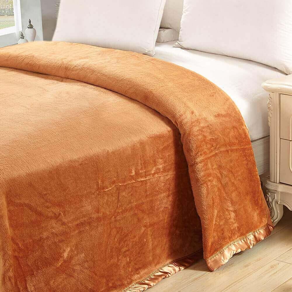 Luxurious And Soft Silk Blanket