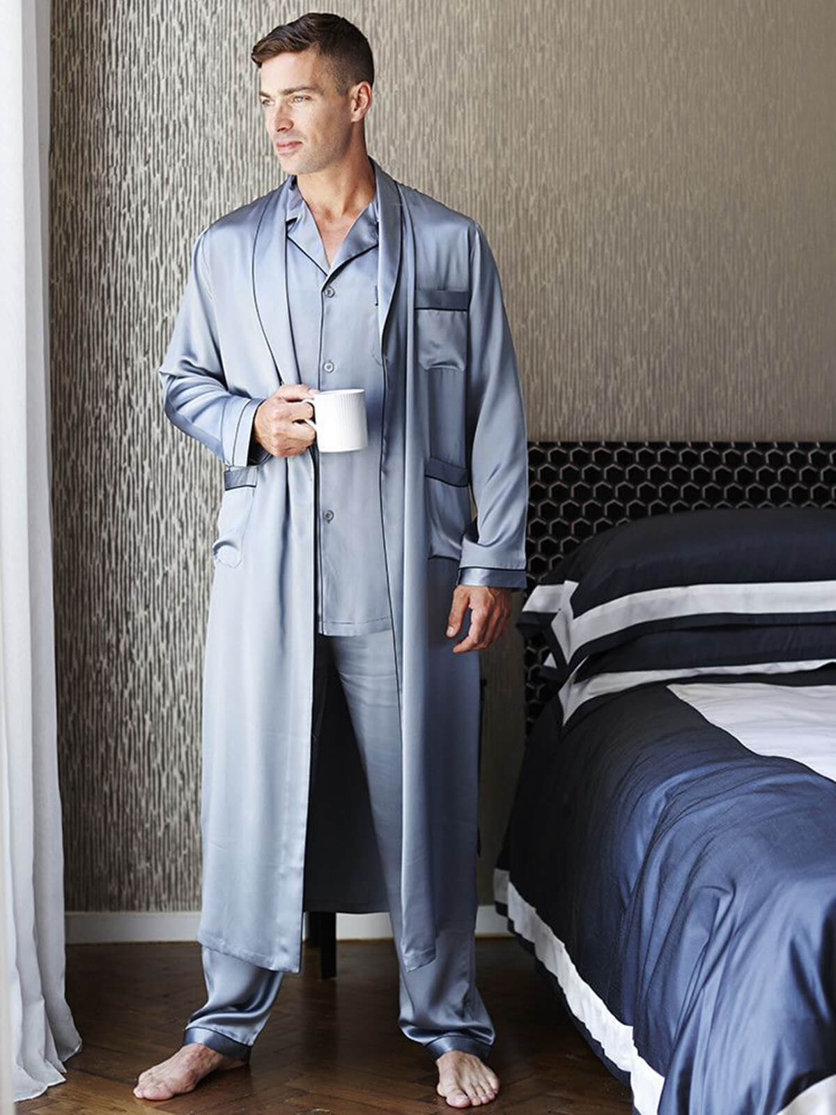 22 Momme Mens Luxury Silk Pajamas Robe Set with Trimming