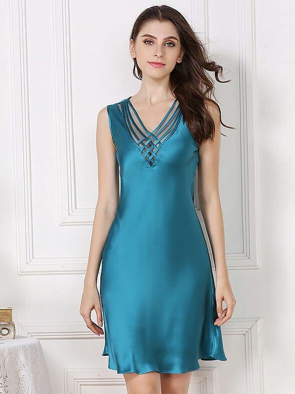 19 Momme Sexy Deep V-neck Silk Nightgown - Click Image to Close