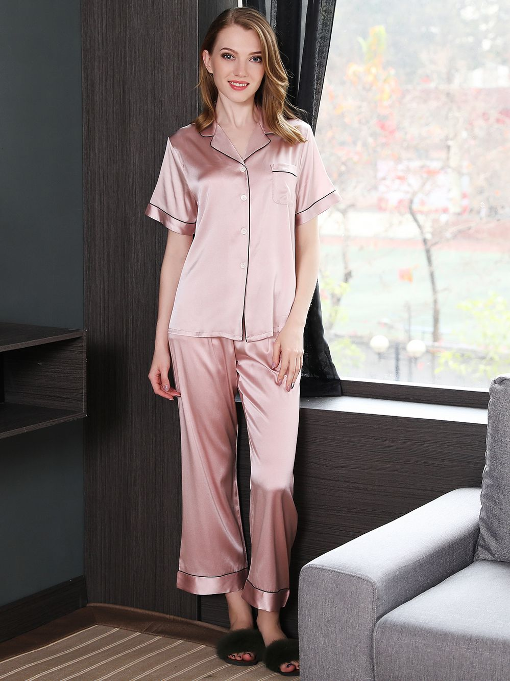 19 Momme Short Sleeved Silk Pajama Set With Trimming