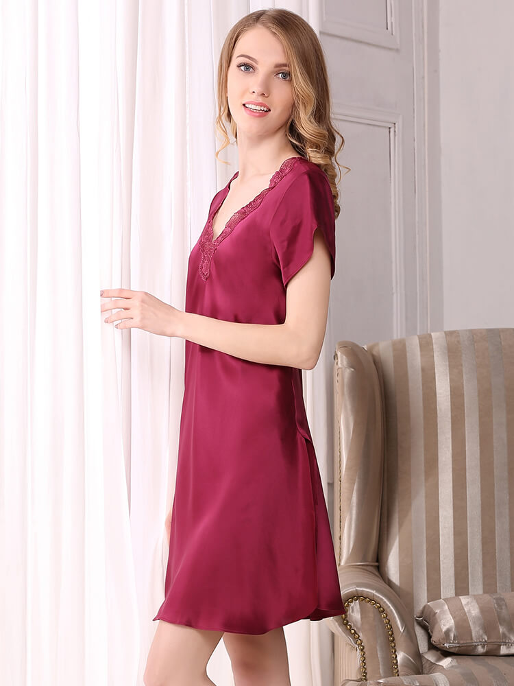 19 Momme Short Sleeved Silk Nightgown With Applique
