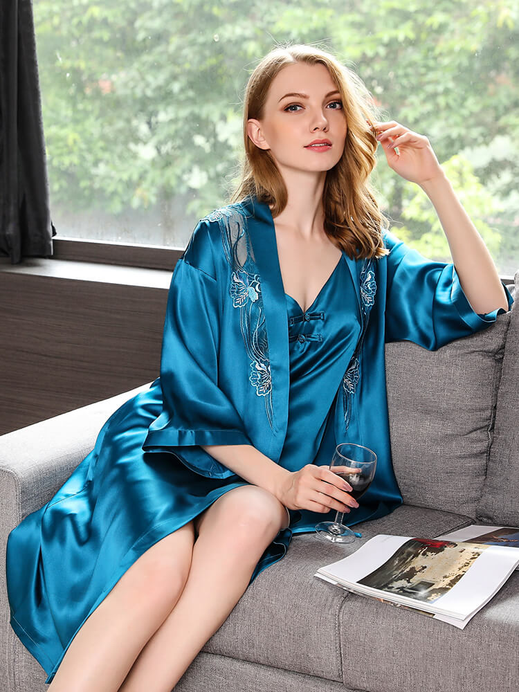 21d9a27f3308 100% pure Mulberry silk robe and nightgown set for women