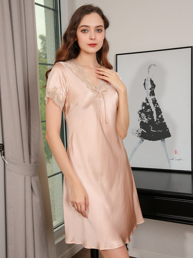 19 Momme Short-Sleeves Silk Nightgown with Lace Trimming
