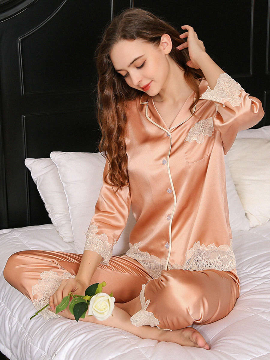 22 Momme Soft Silk Pajama Set With Hem Lace