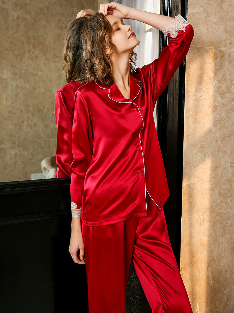 19 Momme Classic Silk Pajama Set With Lace Hem