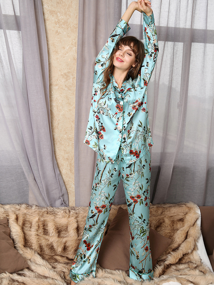 19 Momme Blue Floral Print Silk Pajama Set