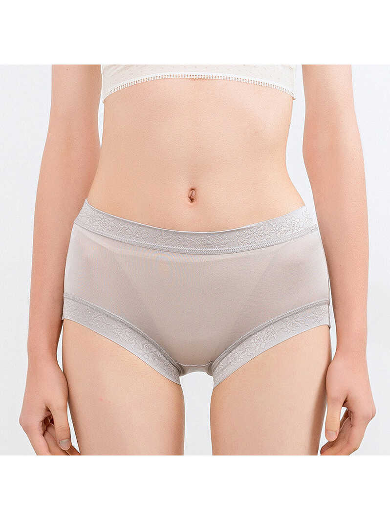 Breathable Seamless Ladies Silk Boxers Underwear